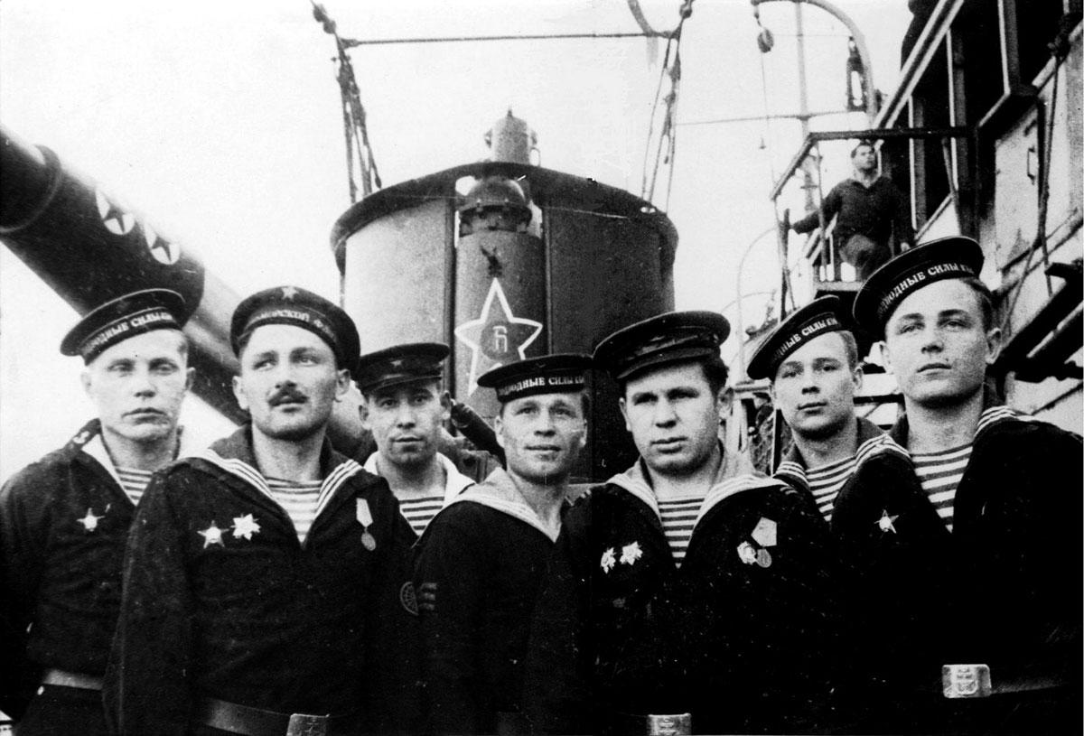 смешать фото военного моряка в ссср вариант