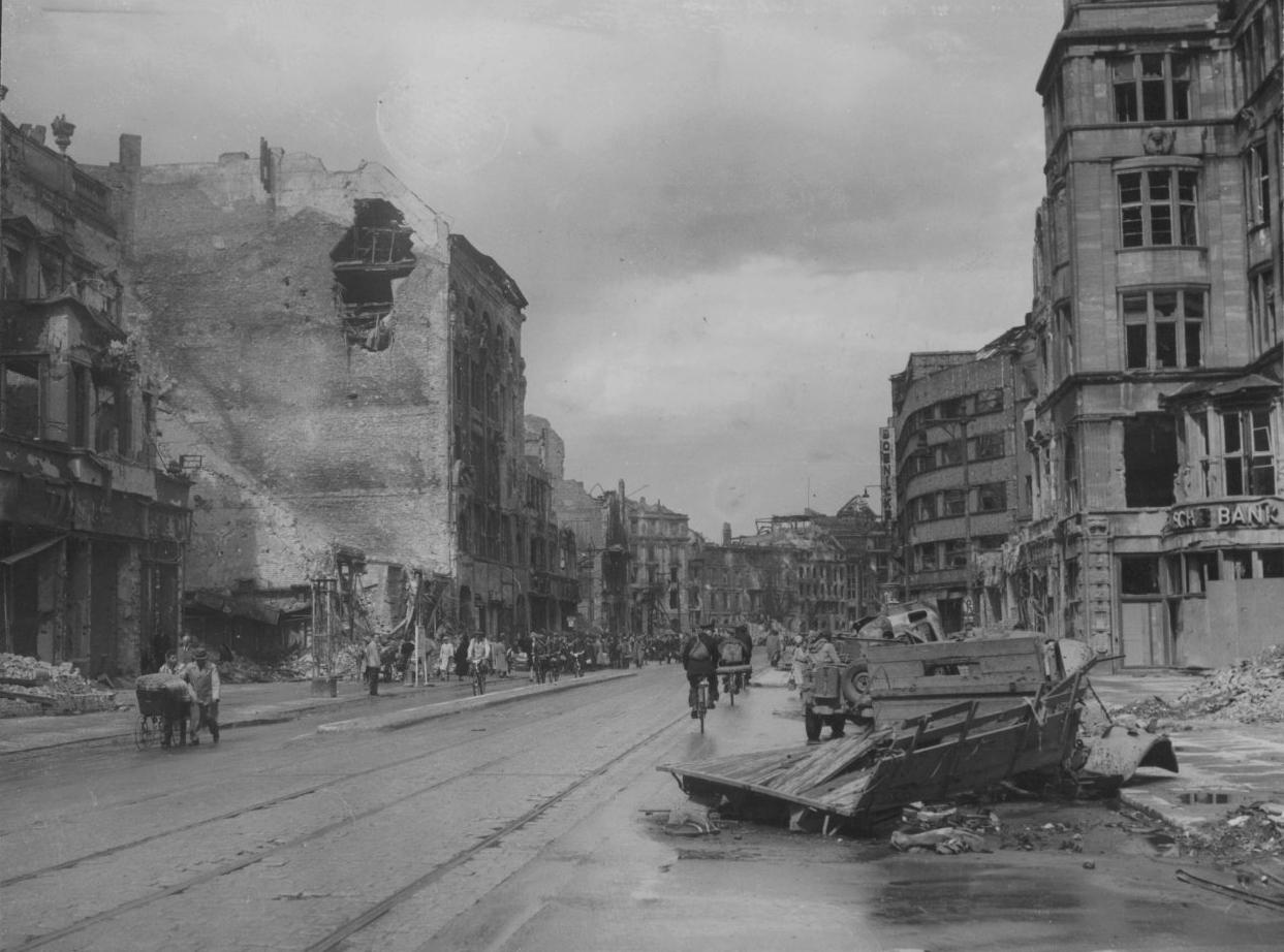 берлин военные фото бесшумном