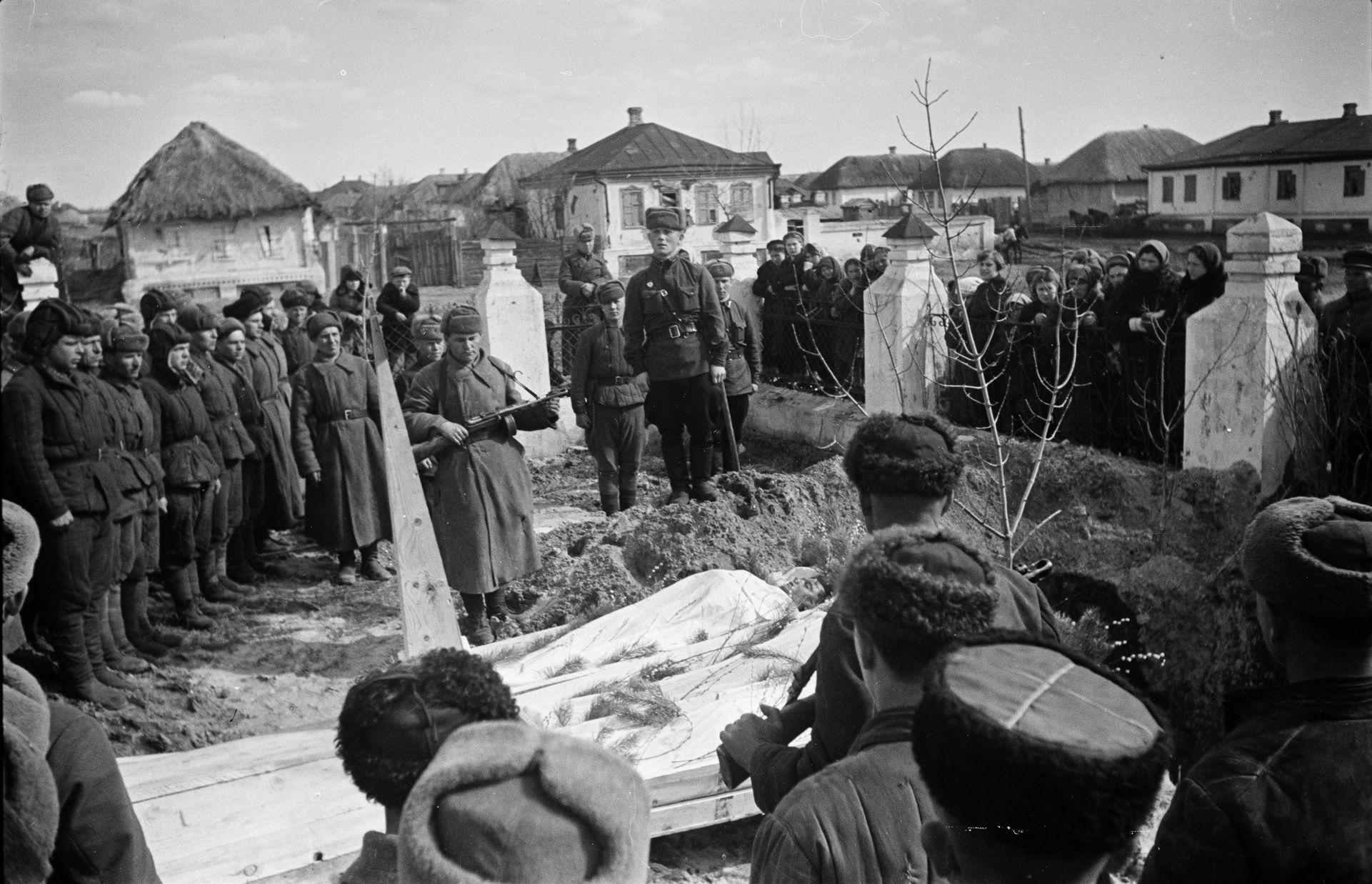 отмечая, что пугачев сарат обл во время второй мировой фото базовая вещь