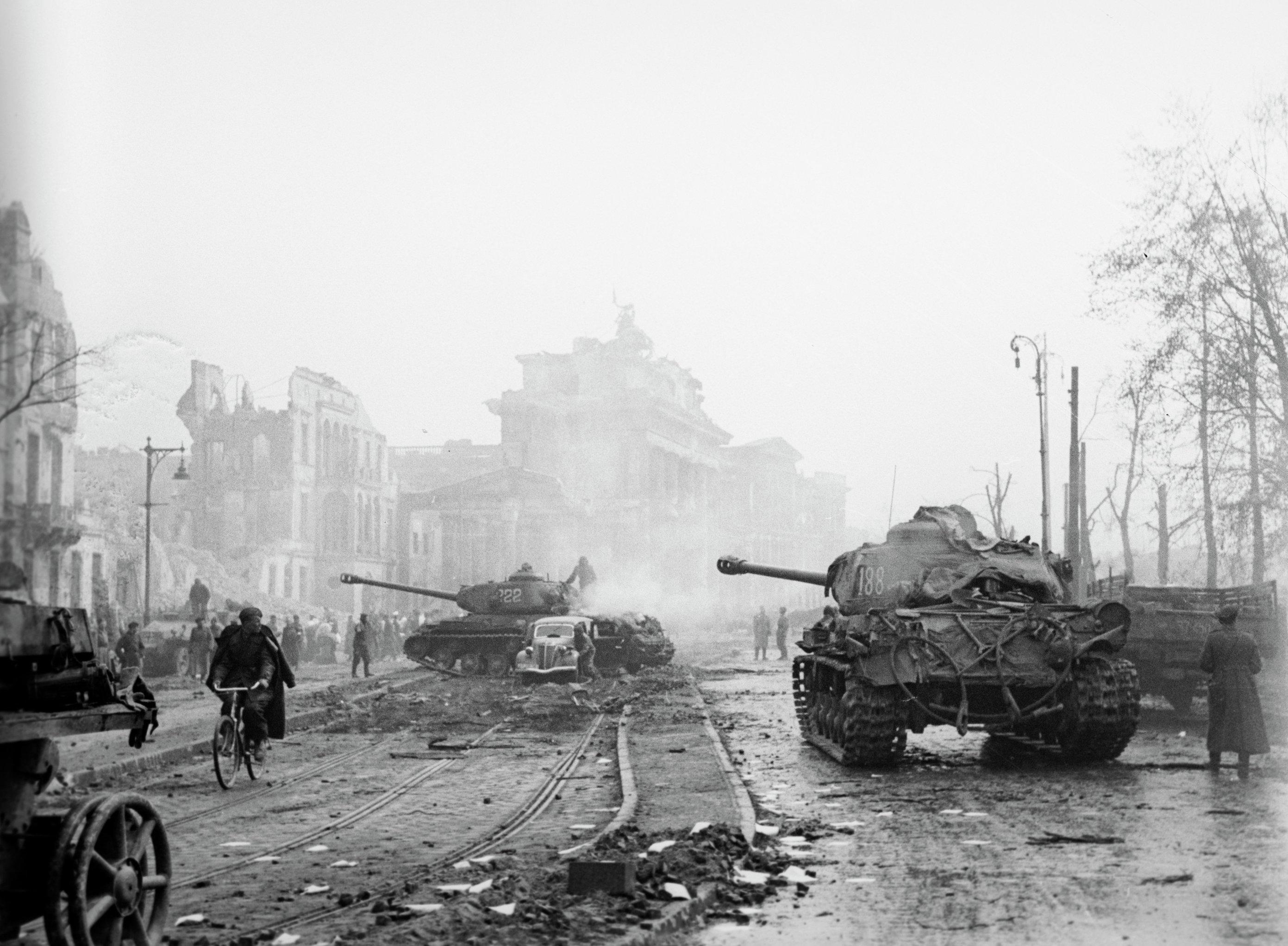 берлин военные фото три края