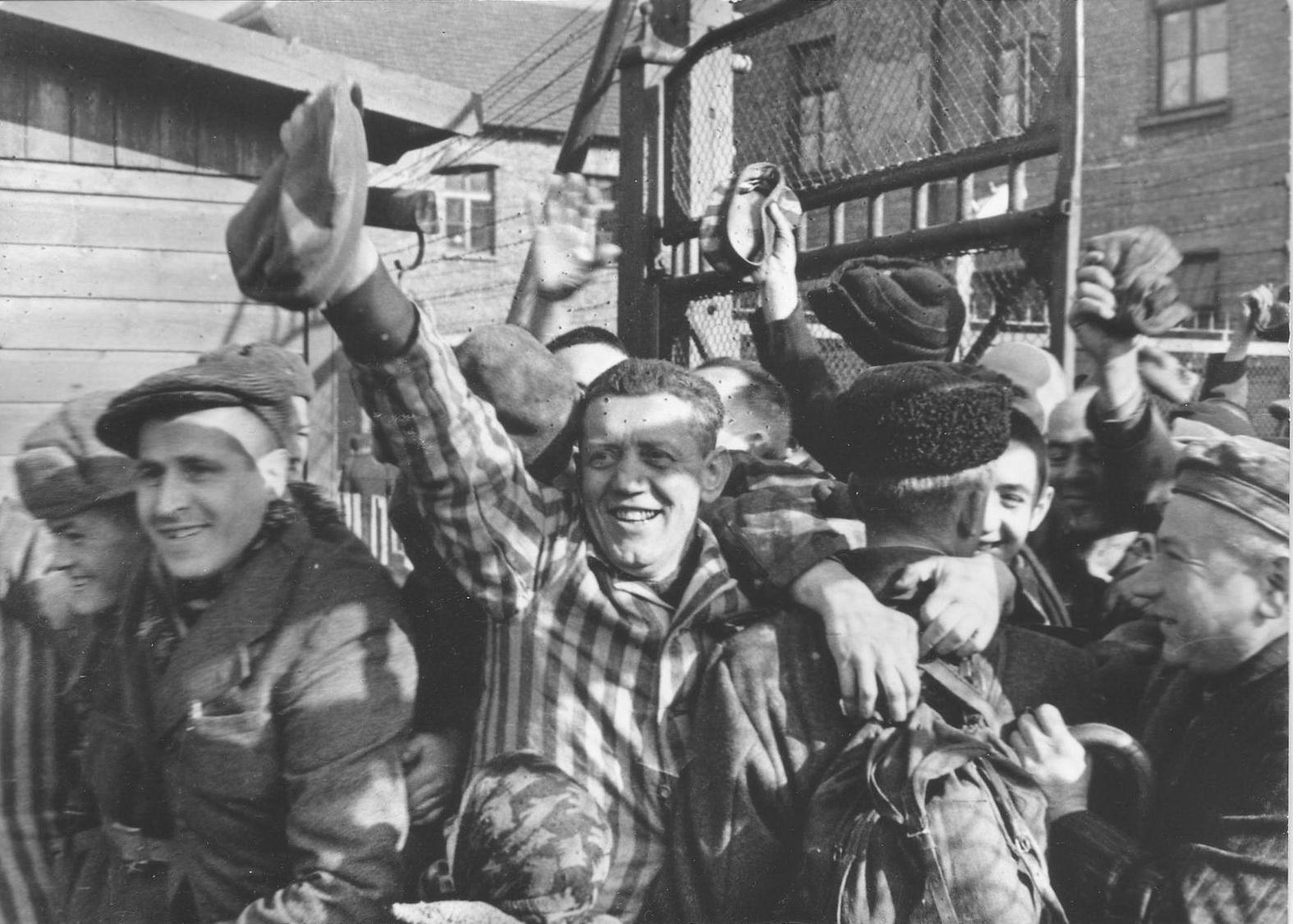 Немецкое издание допустило серьезную ошибку, назвав Штаты освободителями Освенцима