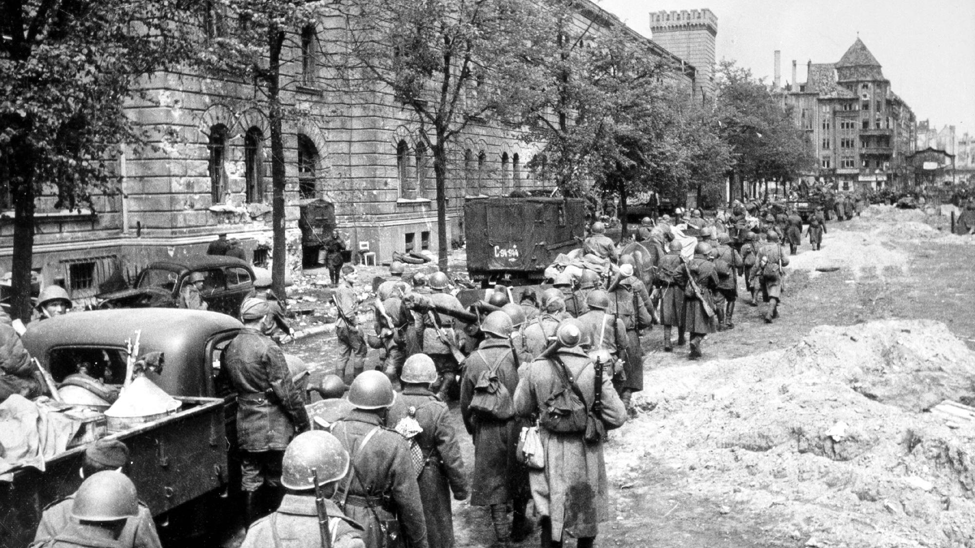 берлин военные фото смонтировать