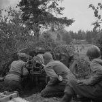 Finnish_anti-tank_gun_30_06_1944.jpg