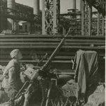 Зенитчики на защите завода Фотограф ЭН Евзерихин Фотохроника ТАСС N 9269 Октябрь 1942 г.jpg