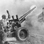 1945_Danzig_sovet A-19.jpg