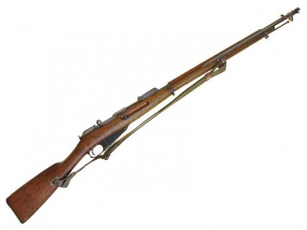 7,62 мм русская драгунская винтовка обр. 1891 1910 года со штыком (штык примкнут по походному) 01