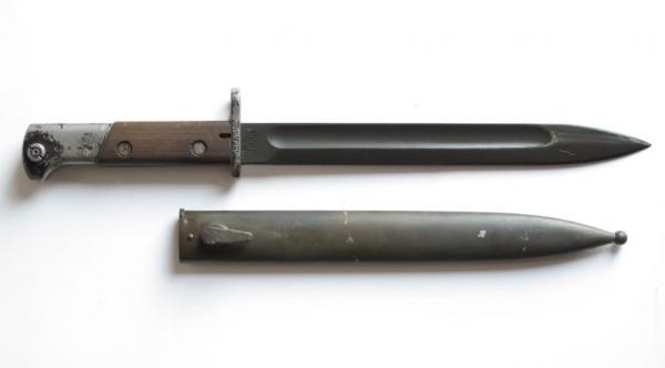 штык обр. 1929 года производства Radom с воронёным клинком 01