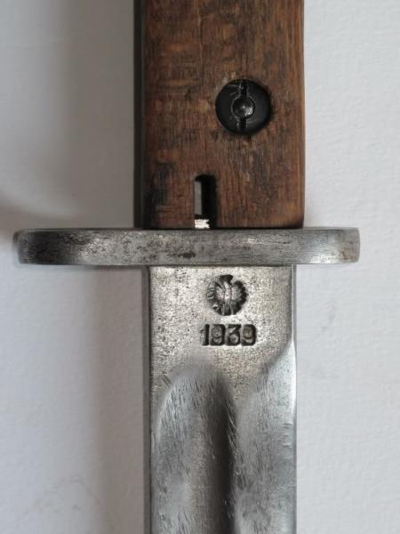 штык обр. 1929 года с необычной маркировкой на клинке Perkun Warszawa 03