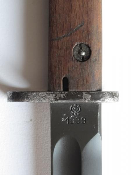 штык обр. 1929 года производства Radom с воронёным клинком 03