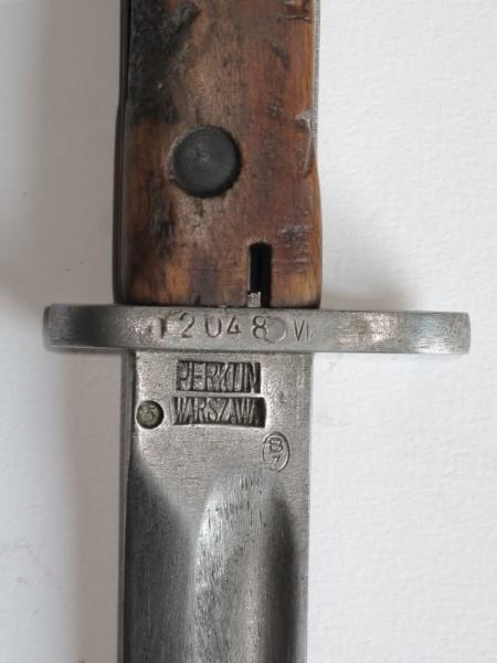 штык обр. 1929 года с необычной маркировкой на клинке Perkun Warszawa 02