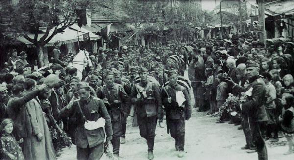 войски посрещнати в Струмица през април 1941 г.