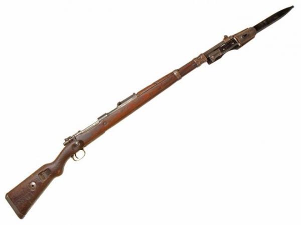03 Укороченная винтовка (карабин) Mauser 98k с примкнутым штыком S 84 98 III (03)