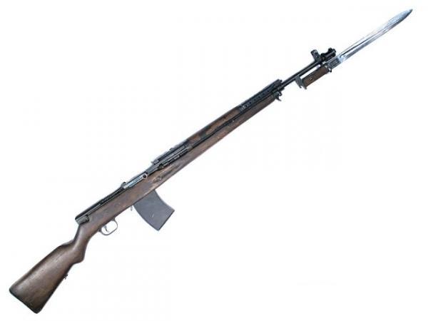 03 Автоматическая винтовка Симонова АВС 36 с примкнутым штыком 01