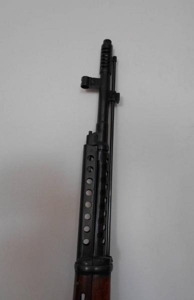 винтовка Токарева  СВТ 40. Место крепления штыка (01)