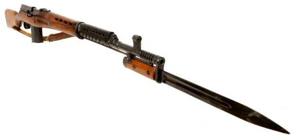 05 Самозарядная винтовка Токарева СВТ 40 с примкнутым штыком 05