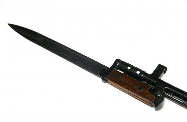 08 Примыкание (крепление) штыка обр. 1940 года к винтовке СВТ 40 (02)