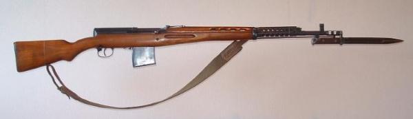 винтовка Токарева  СВТ 40 с примкнутым штыком 05