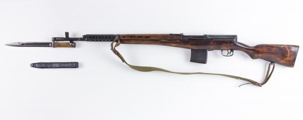 винтовка Токарева  СВТ 40 с примкнутым штыком 02
