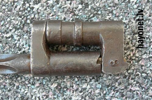 09 Опытный откидной штык обр. 1943 года к винтовке системы Мосина 02