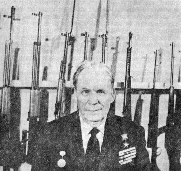 С.Г. со своим оружием 04
