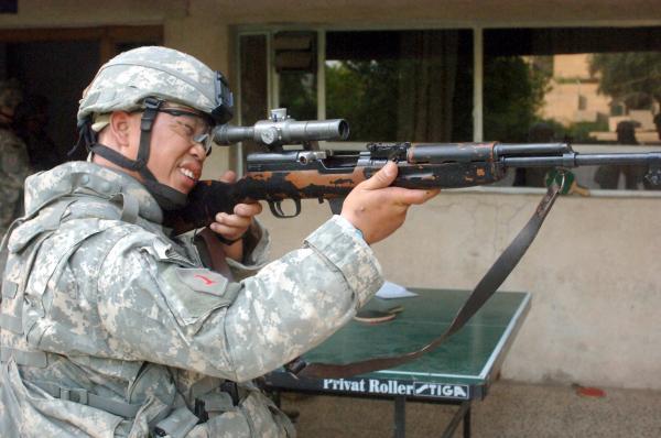 U.S. Army Sgt. John Takai, of Bravo Company, 1st Battalion, 28th Infantry Regiment, 4th Brigade Combat Team (Ирак)