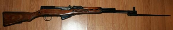 карабин Симонова (СКС 45) с игольчатым штыком в боевом положении 01