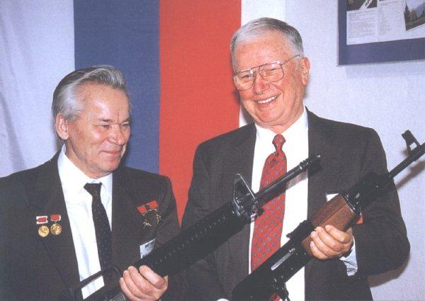 Калашников с M16A2 и Юджин Стоунер с АК 47