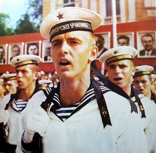 курсанты Военно морского училища в Варне 01