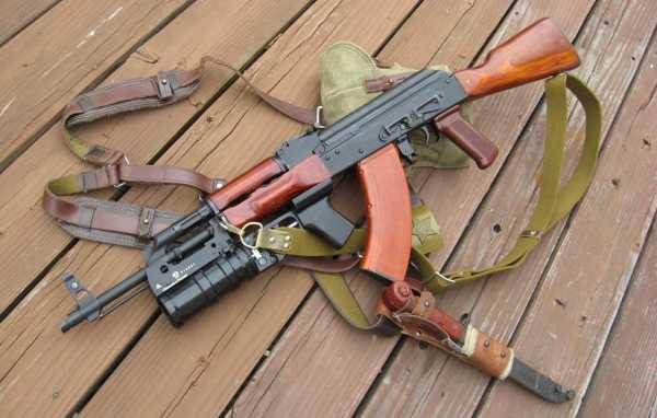 Калашникова модернизированный (АКМ) с подствольным гранатомётом ГП 25 (03)