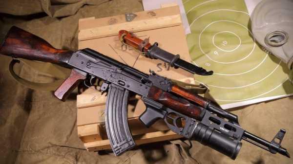 Калашникова модернизированный (АКМ) с подствольным гранатомётом ГП 25 (05)