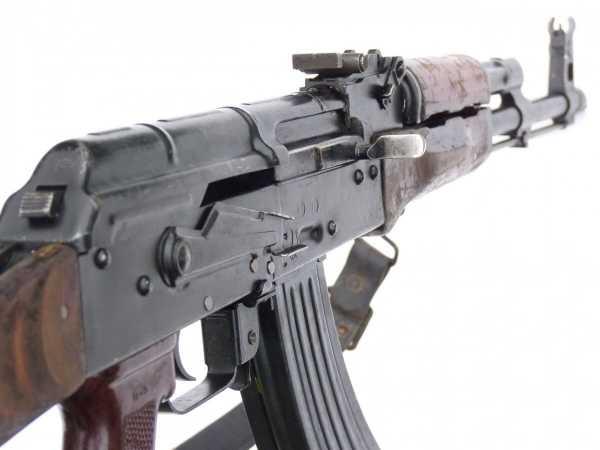 Калашникова модернизированный (АКМ) 08
