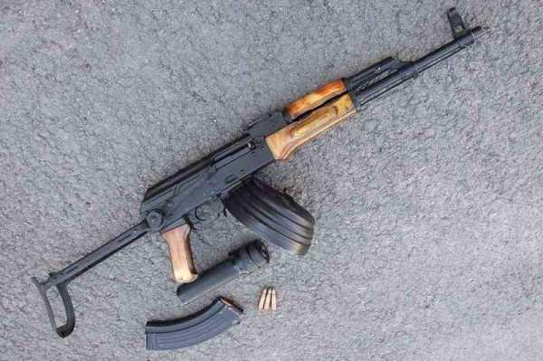 АКМС с магазином от РПК на 75 патронов (бубном) 01