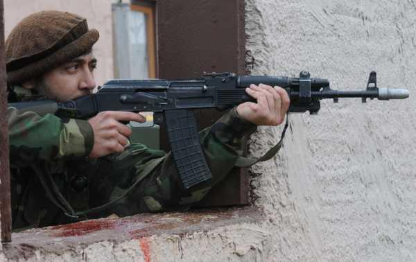 с болгарским автоматом AR M1 (01)