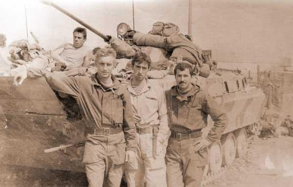 штык нож к автомату АК 74 у советского бойца (Афганская война) 01