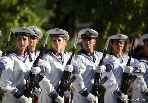 моряки с автоматами АК 01