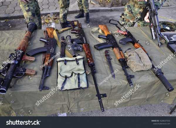stock photo veliko tarnovo veliko tarnovo bulgaria bulgarian soldiers makes performance of army 1628637553