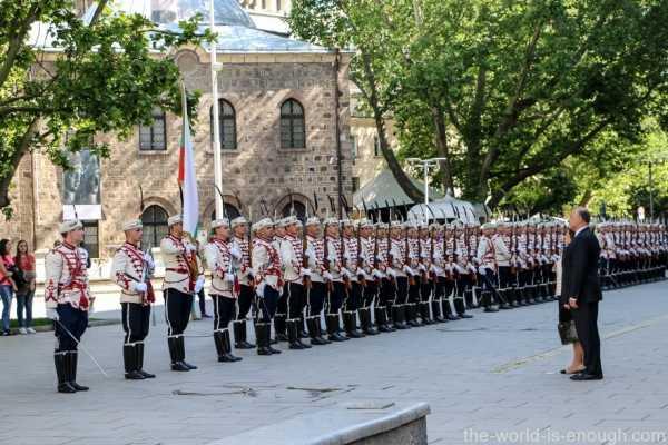 Sofia Guard of Honour (07)