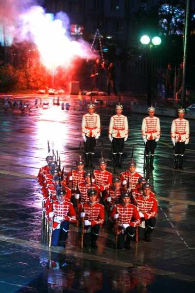 Национальной гвардейской части Болгарии с карабинами СКС 09