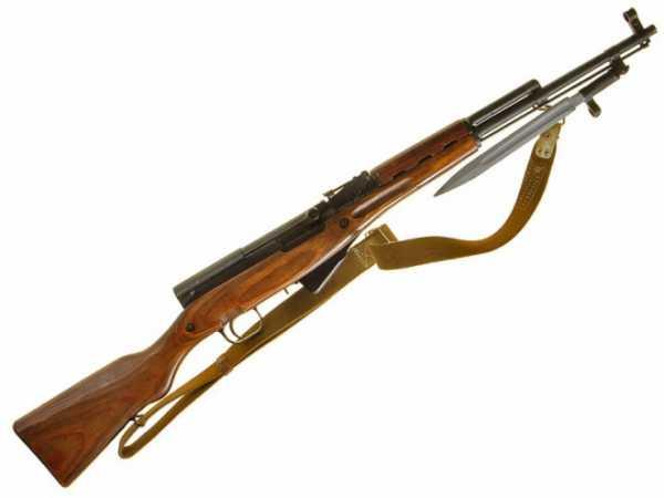 карабин Симонова (СКС 45) с клинковым штыком 31