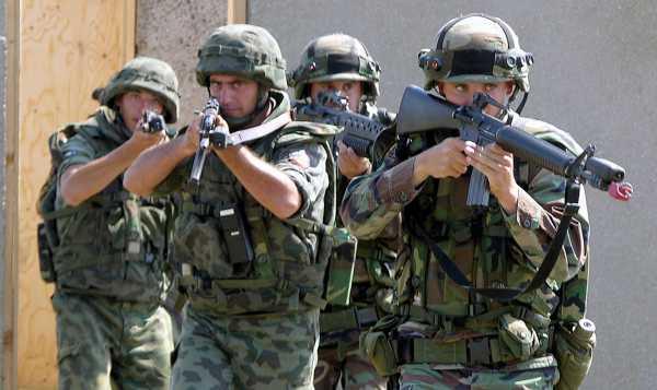 Bulgarian army training Bulwark 2004