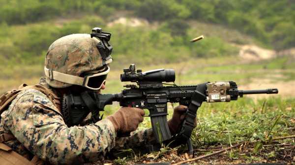 soldat 3840x2160 strelba avtomat 1490