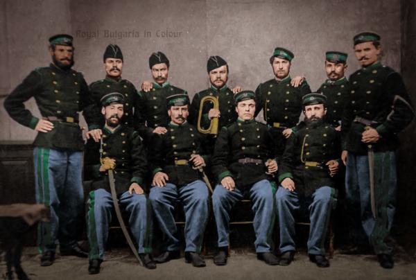 Студиен портрет на участници във Втората българска легия (колоризация) 01