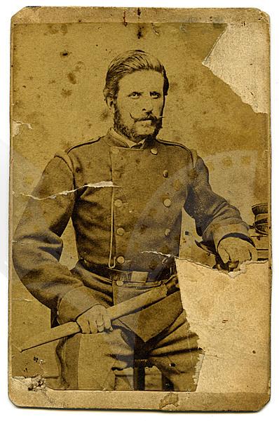 Тодор Ковачев – Ходжата. Във военни дрехи на Втора българска легия в Белград