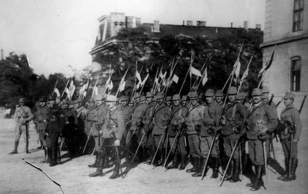 Румынские рошиоры в Венгрии (1919 год)