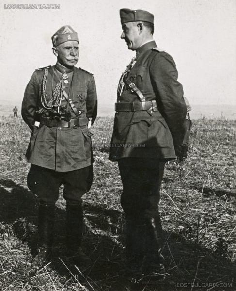 генералы Атанас Ватев и Михаил Йовов во время маневров. 1930 е годы (01)