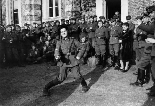 Bundesarchiv Bild 101I 295 1558 36A, Nordfrankreich, Turkestani in der Wehrmacht