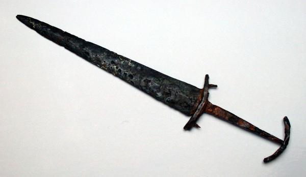 00 Швейцарский кинжал XIV века