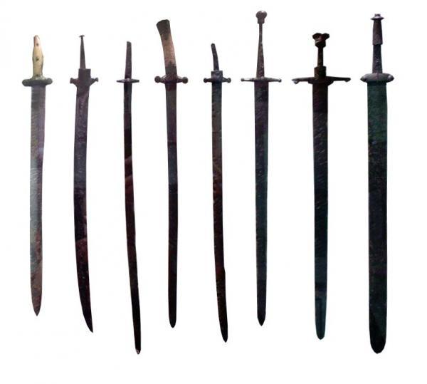 болгарские мечи и сабли 01