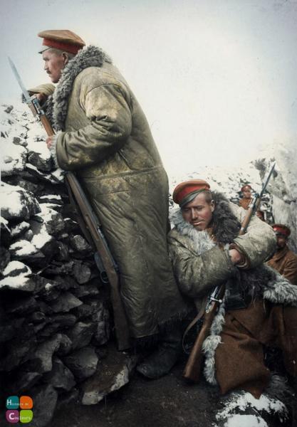 на Буджоите, 1917 год. ПМВ, Южния фронт. Болгарские солдаты вооружены винтовкой и штуцером Манлихера М1895 (колориз.)