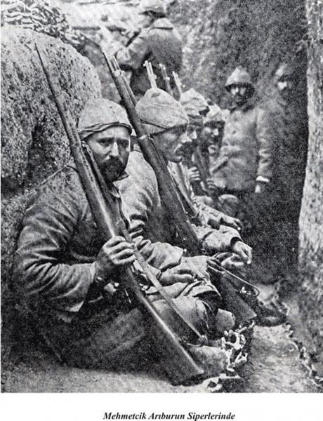 солдаты в окопах ПМВ с винтовками Маузера обр. 1893 года 01